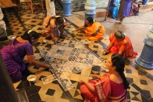 chettinad_chettiar-wedding-kolam-preparation-2_anurag-mallick