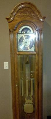 howard-miller-grandfather-clock-chimes-and-strikes-two-minutes-early-21315263